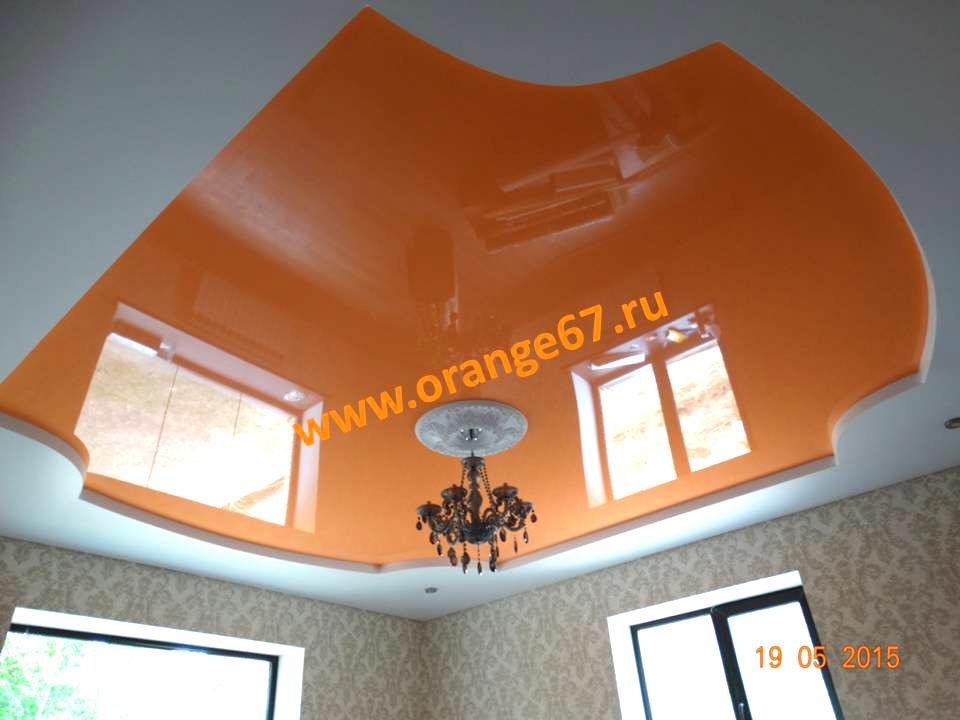 Оранжевый двухуровневый натяжной потолок